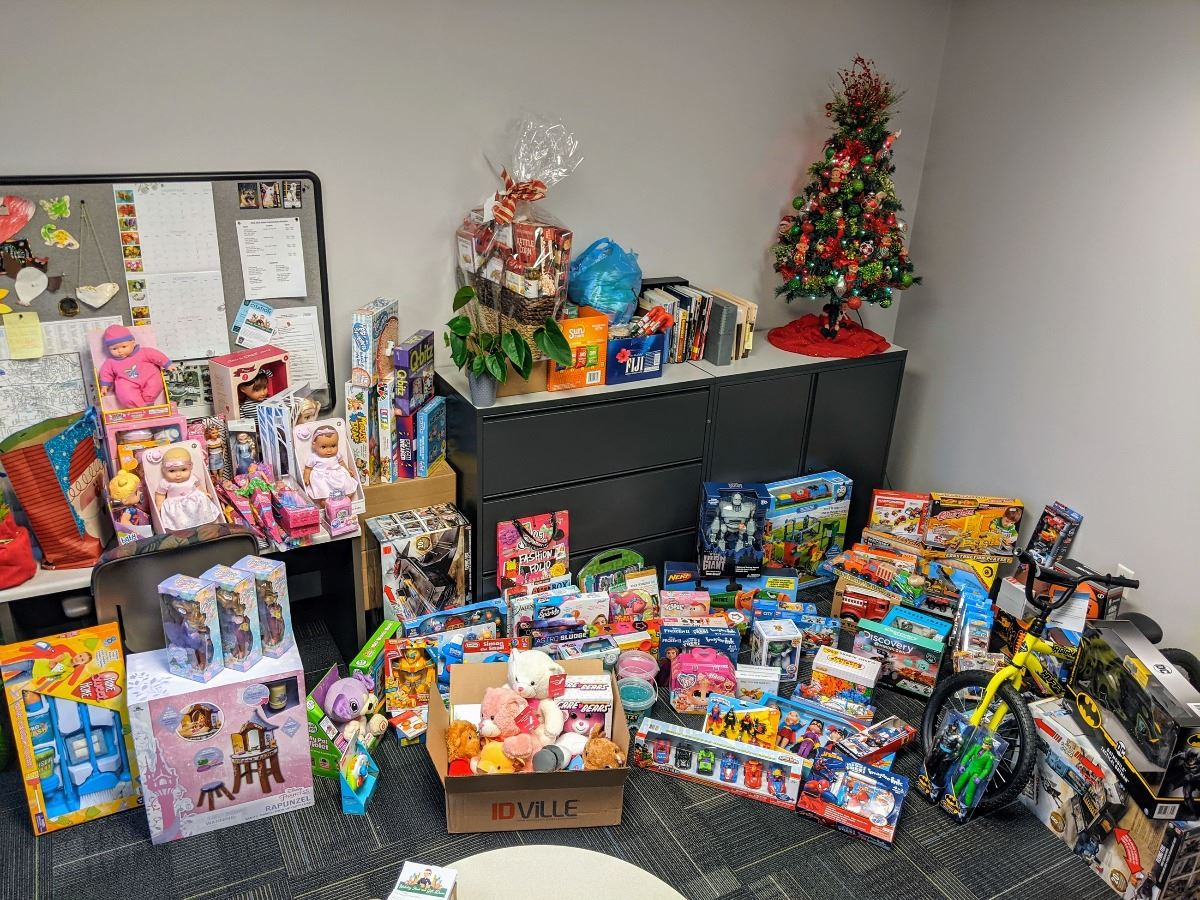 Holiday Food and Gift Drive 2020